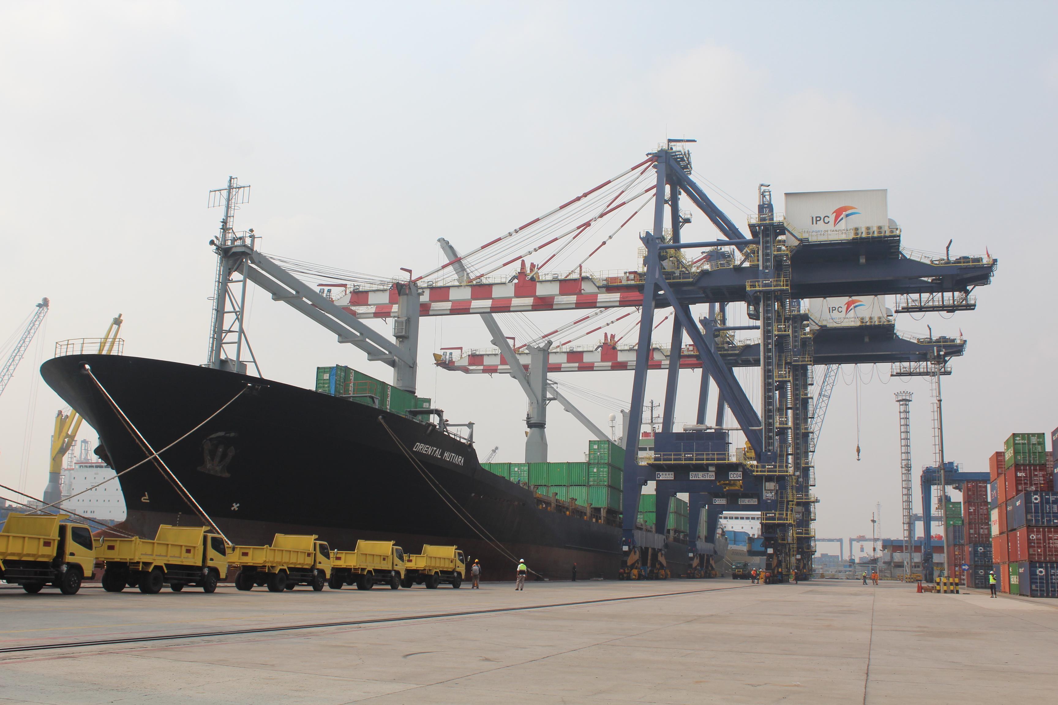Menhub Dorong Swasta Bangun Pelabuhan Pengumpan